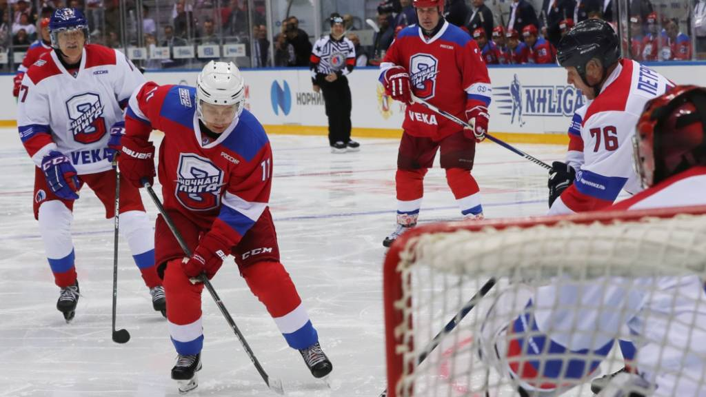 Wenig geschlafen und doch gesiegt: Putin spielte wieder Eishockey