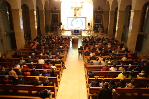 Sicht von der Orgel auf die Leinwand