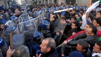Bereits vor einer Woche hatte die RCD einen Protestmarsch in Algier organisiert (Archiv)