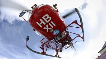 Die verletzten Kinder mussten mit dem Helikopter ins Spital geflogen werden. (Symbolbild)