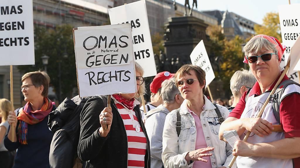 Tausende Menschen bei Demonstration gegen Antisemitismus