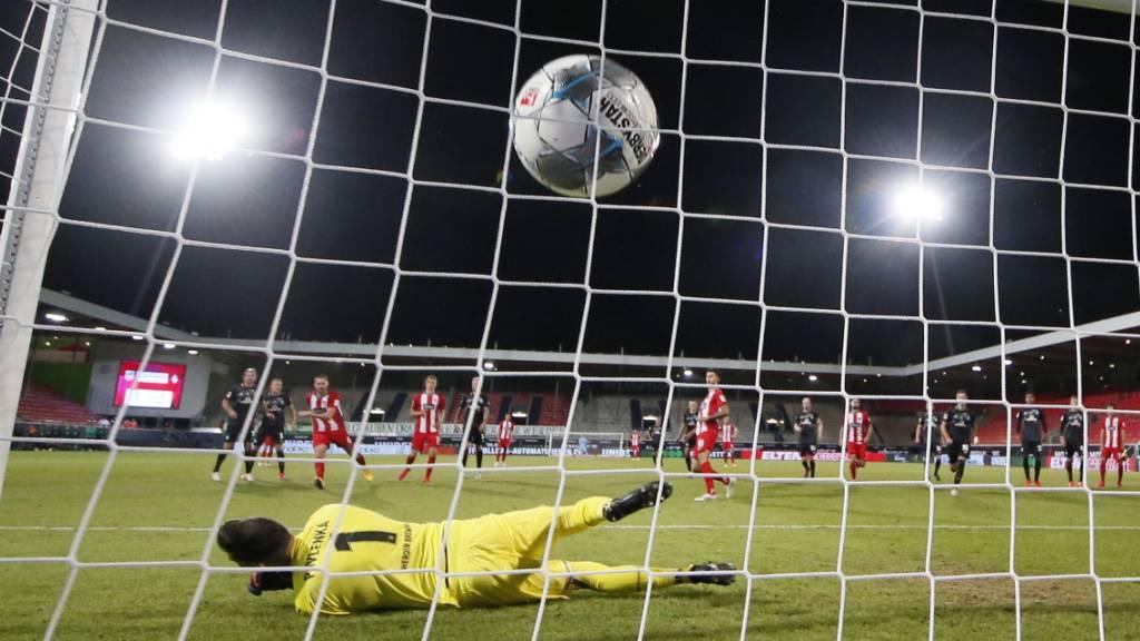 Deutscher Fussball setzt auf Zuschauer im Stadion im Herbst
