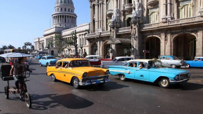 Keine Filminszenierung, sondern Realität: Oldtimer auf Havannas Strassen. Foto: Thinkstock