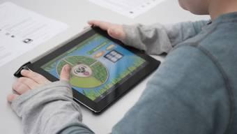 Alle Schüler von der dritten Primarschulklasse bis Ende der Sekundarstufe I sollen mit einem eigenen mobilen Computer ausgerüstet sein. (Archiv)