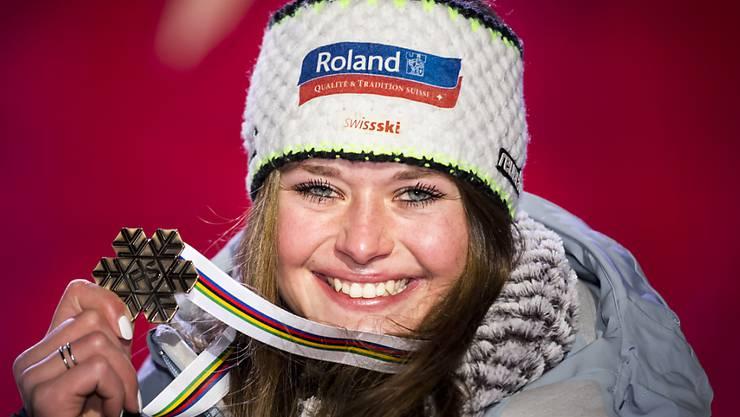 Verdienter Lohn für Corinne Suters angriffige und beherzte Fahrt im WM-Super-G: die Bronzemedaille
