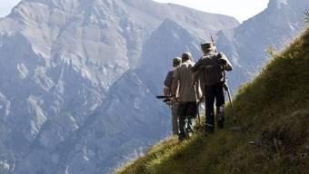 Jäger im Bündnerland – seit Montag sind zwei abgestürzt. (Symbolbild)