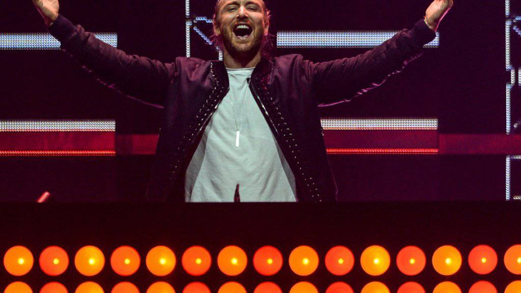 Spass bei der Arbeit: DJ David Guetta will sich hinter den Plattentellern frei wie ein Vogel fühlen (Archiv).