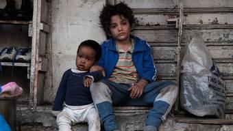 Überlebenskünstler: Die beiden Strassenkinder Zain (rechts) und Yonas sind auf sich alleine gestellt.