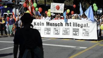 Sans-Papiers demonstrieren im vergangenen Oktober in Bern. Viele von ihnen arbeiten in Privathaushalten.