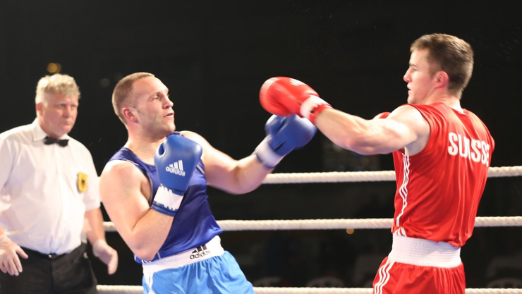 Stefan Rumpold (rechts) gewann überraschend.