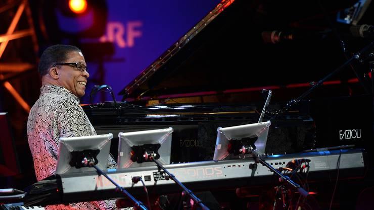 Die Jazz-Legende Herbie Hancock wusste zu begeistern – bis er auf den iPads rumzutippen begann. Juri Junkov