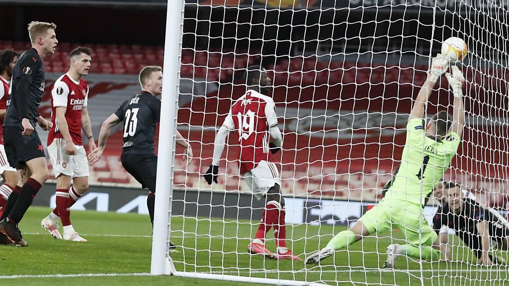 Arsenal enttäuscht, Auswärtssiege für die restlichen Favoriten
