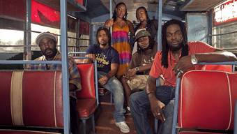 Die legendären The Wailers aus Jamaika sorgen für heissen Reggae.