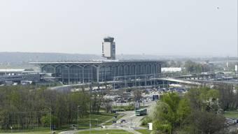 Der Flughafen Basel-Mulhouse funktioniere seit 60 Jahren auf der Basis des französisch-schweizerischen Staatsvertrages von 1949 hervorragend. Deshalb sei eine Änderung nicht nötig. (Archiv)