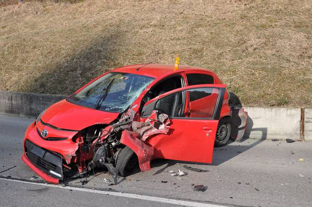Das Auto der leicht verletzten Lenkerin hat Totalschaden erlitten.