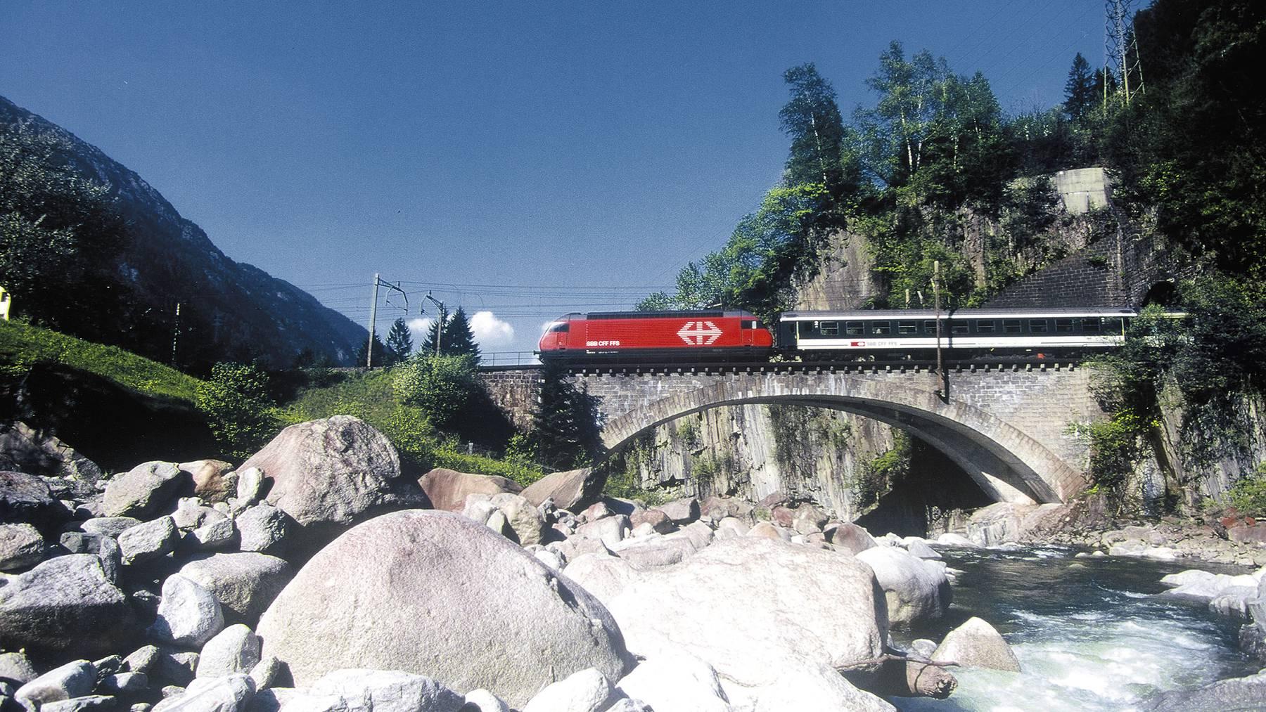 Bahnhof Altdorf wird zur Drehscheibe