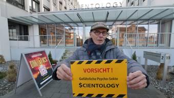 Manfred Harrer lässt keinen Zweifel an seiner Meinung zu Scientology.