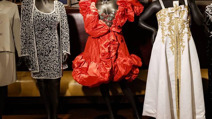 Brachten bei einer Versteigerung in New York mehrere Tausend Dollar ein: Konzertoutfits der Mitte August verstorbenen US-Soulsängerin Aretha Franklin.