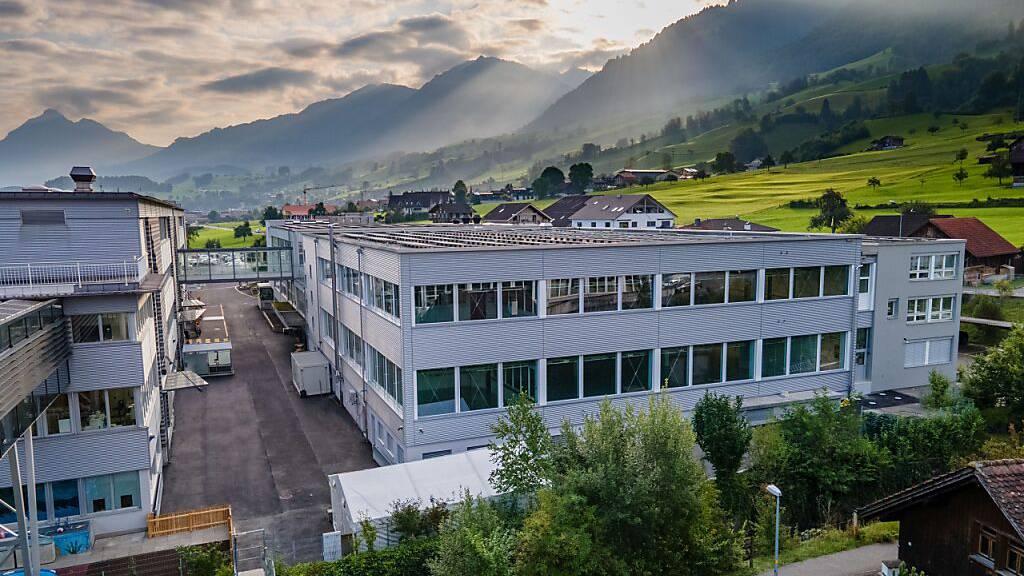 Maxon eröffnet neues Produktionsgebäude in Sachseln