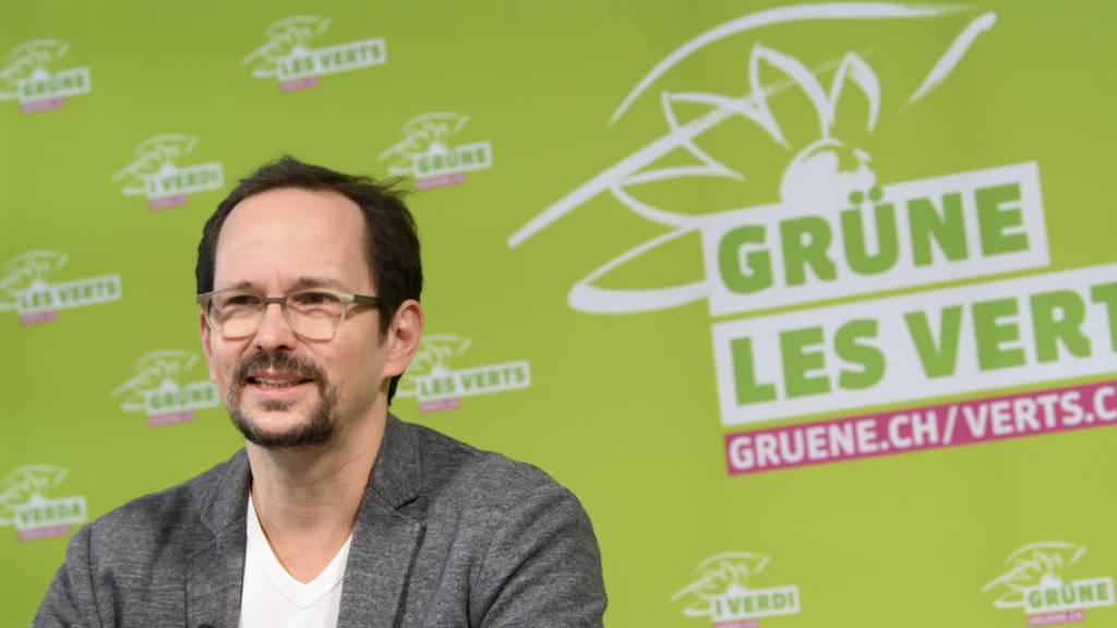 «Nun kann unsere 3 x Ja Kampagne für Klimaschutz und Biodiversität starten»:  Balthasar Glättli, Parteipräsident der Grünen, spricht zu den Delegierten an der virtuellen DV am Samstag.