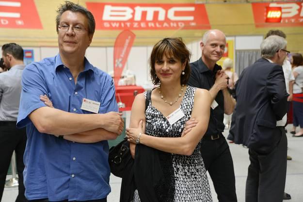 Jean-Pierre Thomsen, Präsident der Kulturkommission mit Gattin Clivia Wullimann (Gemeinderätin), hinten Stadtbaumeister Daniel Gäumann