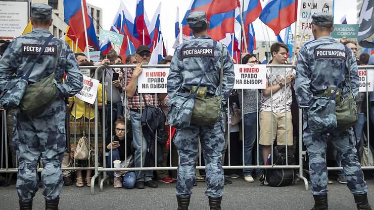 Die Polizei in Russland hat am Freitagabend zahlreiche Ort von Oppositionspolitikern durchsucht - die geschah just vor neuen Protesten am heutigen Samstag. (Archivbild)