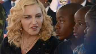 Ein britisches Online-Portal muss Madonna Genugtuung bezahlen, weil es die Namen ihrer adoptierten vierjährigen Zwillinge enthüllt hat. (Archivbild)