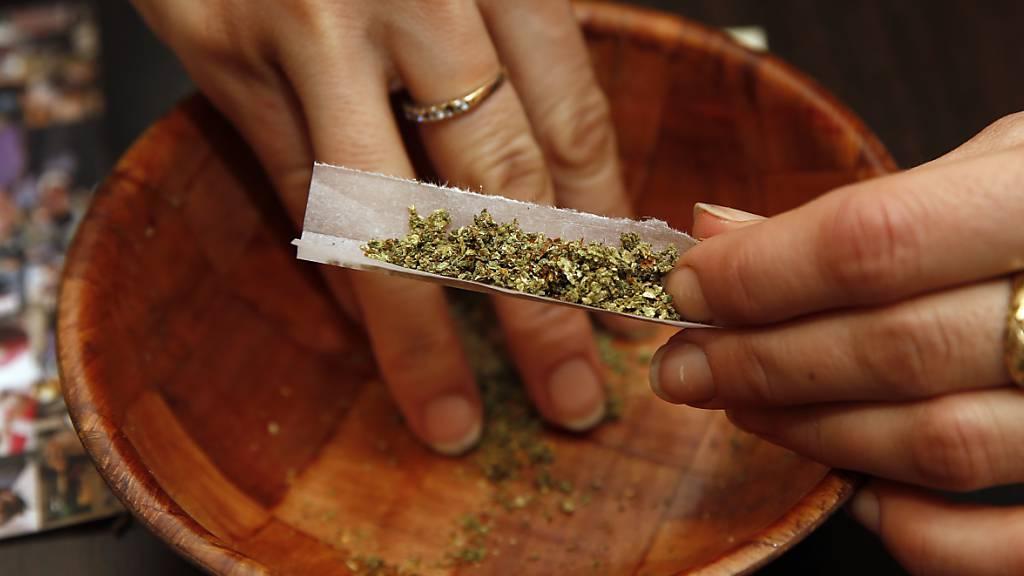 Kiffen erlaubt für Versuchsteilnehmer: Die Räte haben grünes Licht gegeben für Studien zur kontrollierten Abgabe von Cannabis. (Themenbild)