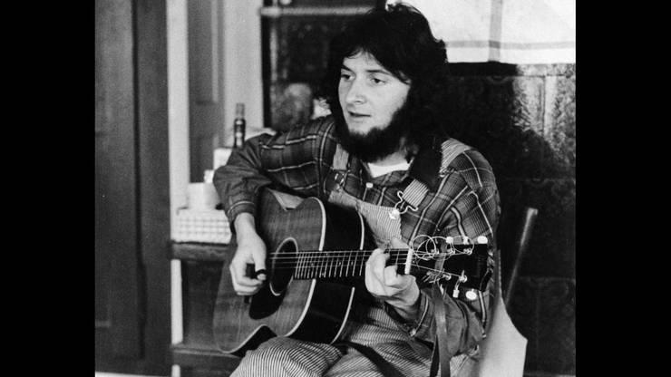 Max Lässer 1969: Hippie mit Bart, Latzhose und Gitarre.