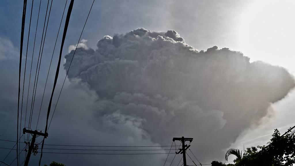 Heftiger Ascheregen nach Vulkanausbruch auf St.Vincent