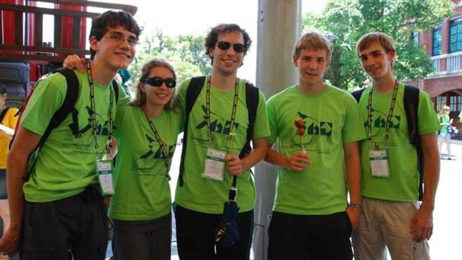 Daniel Ballmer (Mitte) mit seinen Kollegen aus der Schweiz und Liechtenstein. zvg