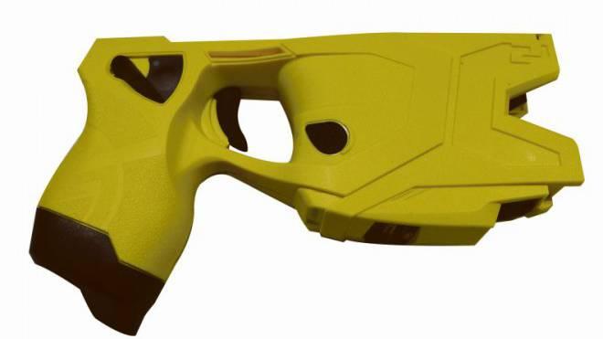 Diese Elektroschockpistole kommt bei der Basler Polizei zum Einsatz.