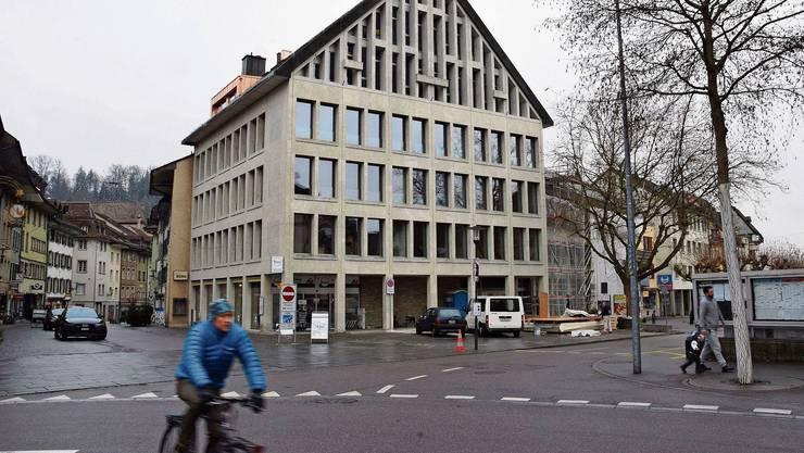 An der Schulthess-Allee 1 befinden sich die Räume der Sozialen Dienstleistungen Region Brugg.