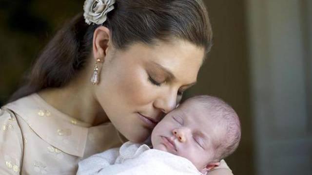 Prinzessin Victoria mit ihrem Töchterchen