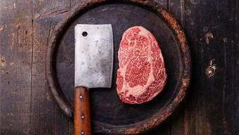 Finger weg von unseren Tellern: Der Schweizer Fleischfachverband hat genug von der Bevormundung durch die Politik.THinkstock