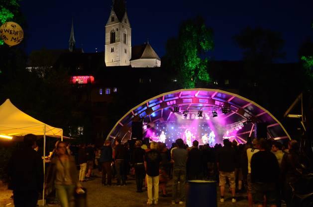 Openair-Stimmung vor Badener Altstadtkulisse - am Rebstock Openair spielen Bands mit Bezug zur Stadt.