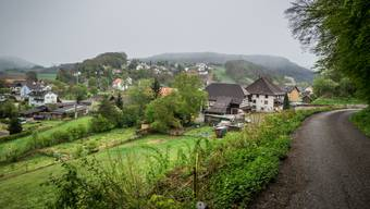 Trügerische Idylle: Der Dorffrieden wird in Fisibach auf die Probe gestellt.