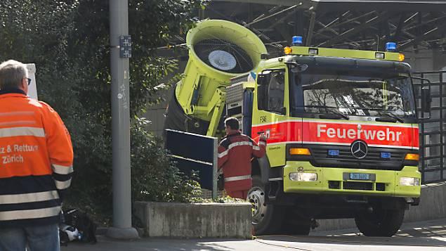 Grosser Schaden nach Autobrand in Tiefgarage in Embrach. (Symbolbild)
