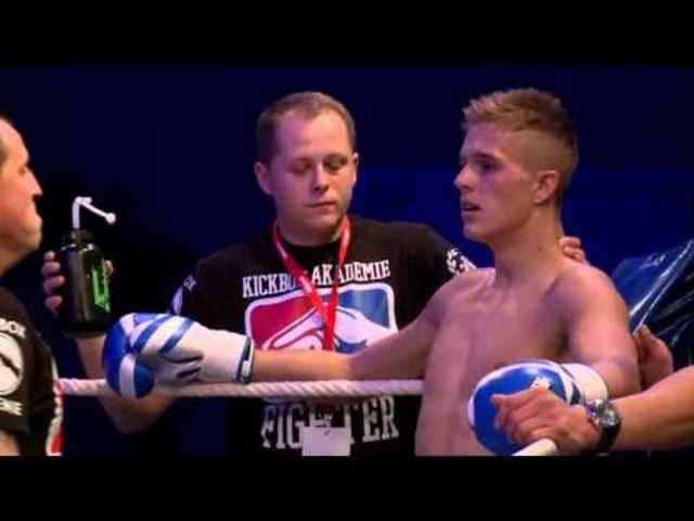 Fight4Glory: Kampf zwischen Ueli Birchler und Lucca Pfitzer vom 3. Oktober 2015