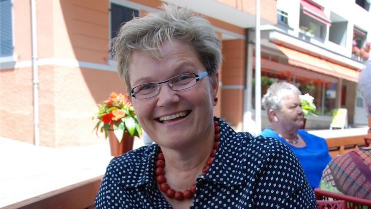 Kathrin Henkel auf der Terrasse eines Cafés in Grenchen.