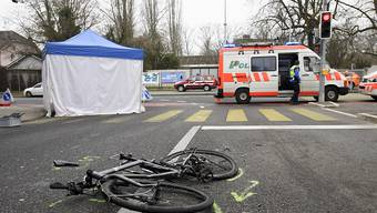 Die bfu befürchtet einen Wiederanstieg der Unfallzahlen. Bei den schwachen Verkehrsteilnehmenden wie Velo- oder E-Bike-Fahrenden sei dieser Trend bereits erkennbar. (Archivbild)