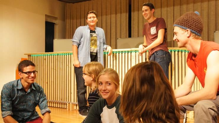 Man hat immer viel Spass zusammen - die Theatergruppe des Jugendvereins Rohrdorferberg kurz vor den Proben