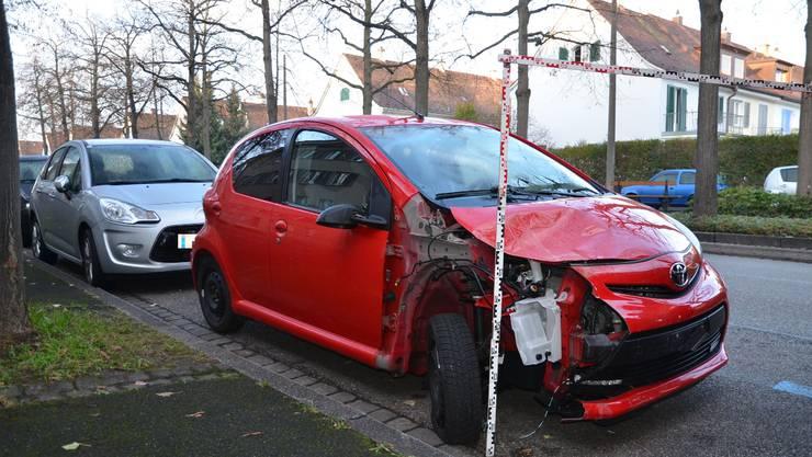 Der Autolenker fuhr nach dem Unfall weiter und wurde von der Polizei an seinem Wohnort angetroffen.