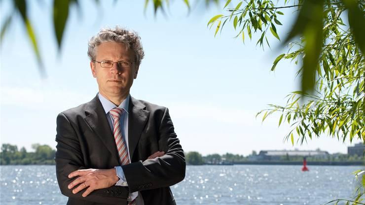 Johannes Caspar, Hamburgs Datenschutzbeauftragter, steht seit Jahren im Clinch mit dem Weltkonzern Facebook.