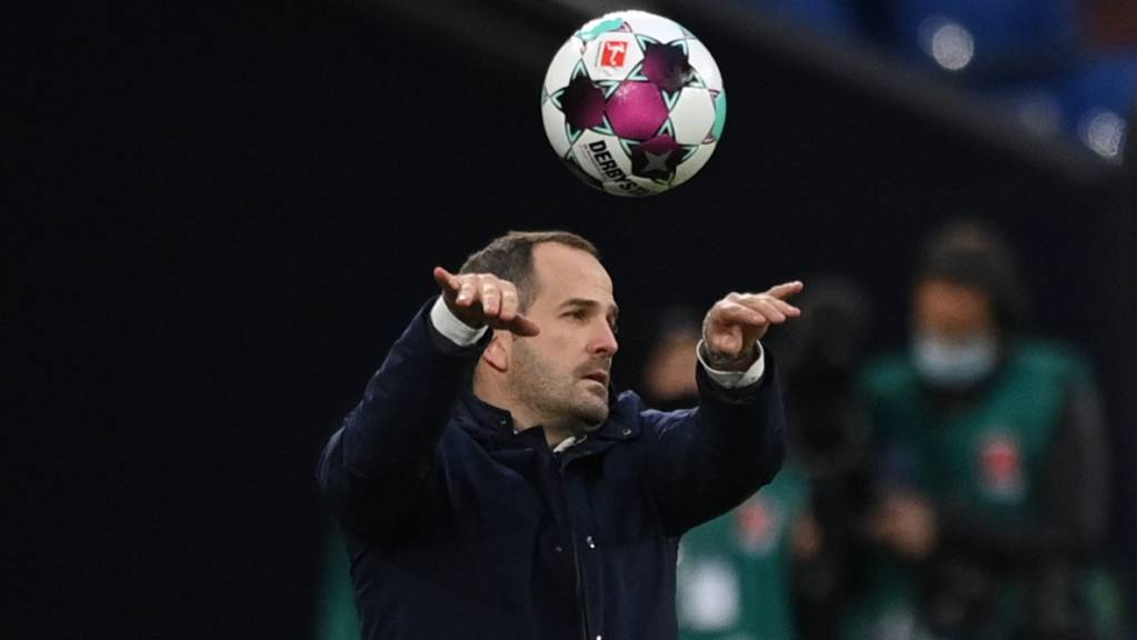 Manuel Baum schaffte auch bei seinem früheren Arbeitgeber Augsburg nicht den ersten Sieg als Schalke-Trainer.