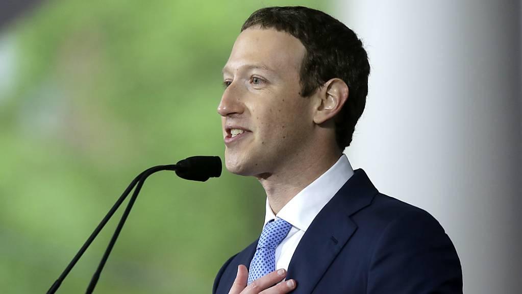 """Gut und konstruktiv"": Facebook-Gründer Mark Zuckerberg traf am Donnerstag US-Präsident Donald Trump. (Archivbild)"