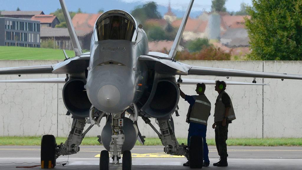 Kampfjet-Vorlage laut ersten Umfragewerten auf der Kippe