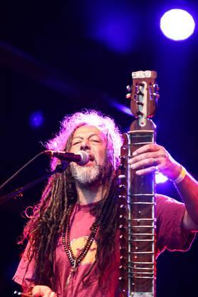Der Algerier Man Sheer Khan verzauberte das Publikum mit seinem ungewöhnlichen Instrument