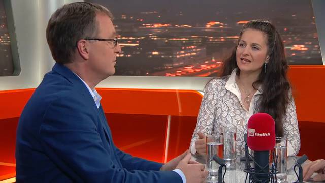 Nächtliches Glockengeläut: Nancy Holten legt sich im TV-Talk mit der Kirche an