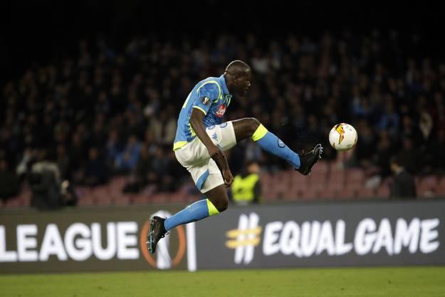 Auf Clubebene spielt Kalidou Koulibaly für Napoli, seine Nationalmannschaft ist jene von Senegal.